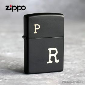 Černý originál Zippo zapalovač s gravírováním iniciály dle vlastního návrhu