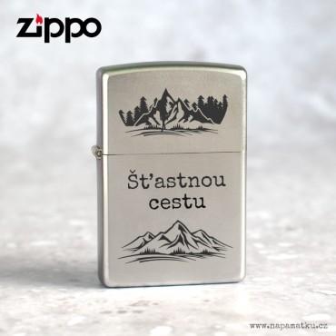 Stříbrný Zippo zapalovač s gravírováním vlastního návrhu